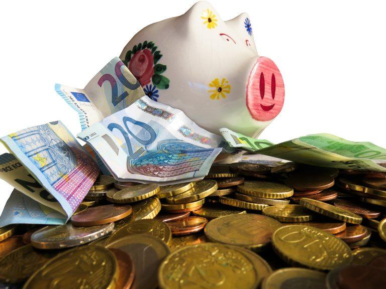 Guvernul Dăncilă ne-a îndatorat cu câte jumătate de miliard de euro pe lună