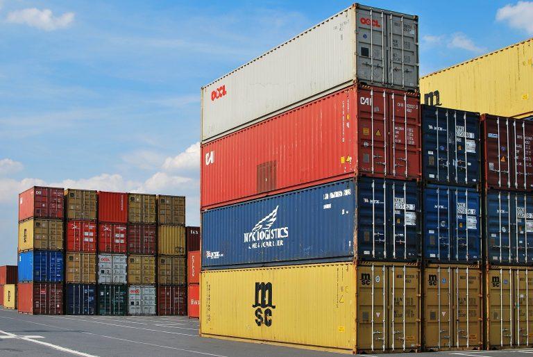 Eurostat: Deficitul comercial cu țările non-UE crește cu circa 1 mld. euro