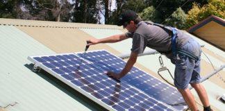 ANRE schimbă contractele de furnizare a energiei electrice în favoarea clienţilor