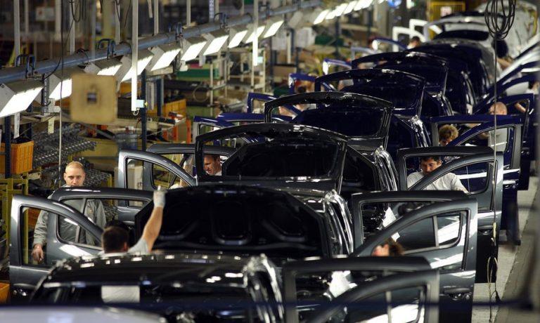 Uzina Dacia a produs șase milioane de automobile, în 50 de ani de activitate