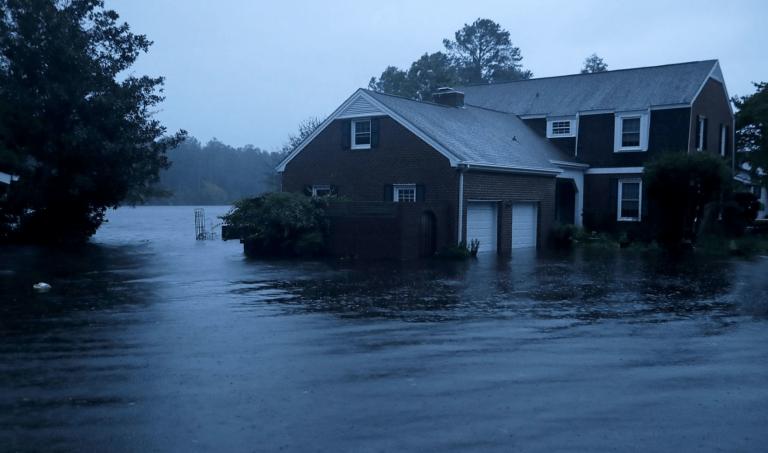 Moody's estimează pagube între 38 și 50 de miliarde de dolari cauzate de uraganul Florence