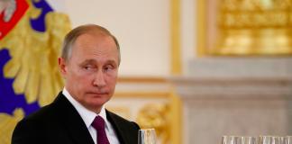 """Presa străină: România se adâncește în """"scandalul băncii sovietice"""", calul troian al lui Putin"""