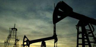 Apel la calm după atacul din Arabia Saudită. Piețele au suficiente rezerve de petrol