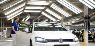 Volkswagen intervine în scandalul privind locația fabricii sale din Estul Europei